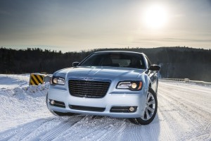 2013-chrysler-300--glacier-edition(4)-600-001