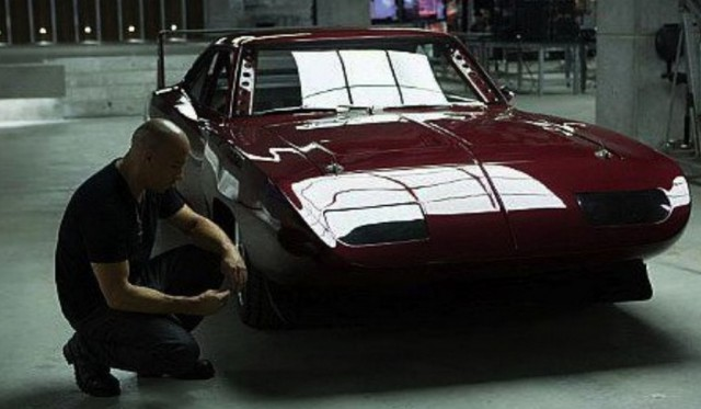 fast-and-furious-6-screenshot-vin-diesel-drives-dodge-charger-daytona-54662-7-640x373